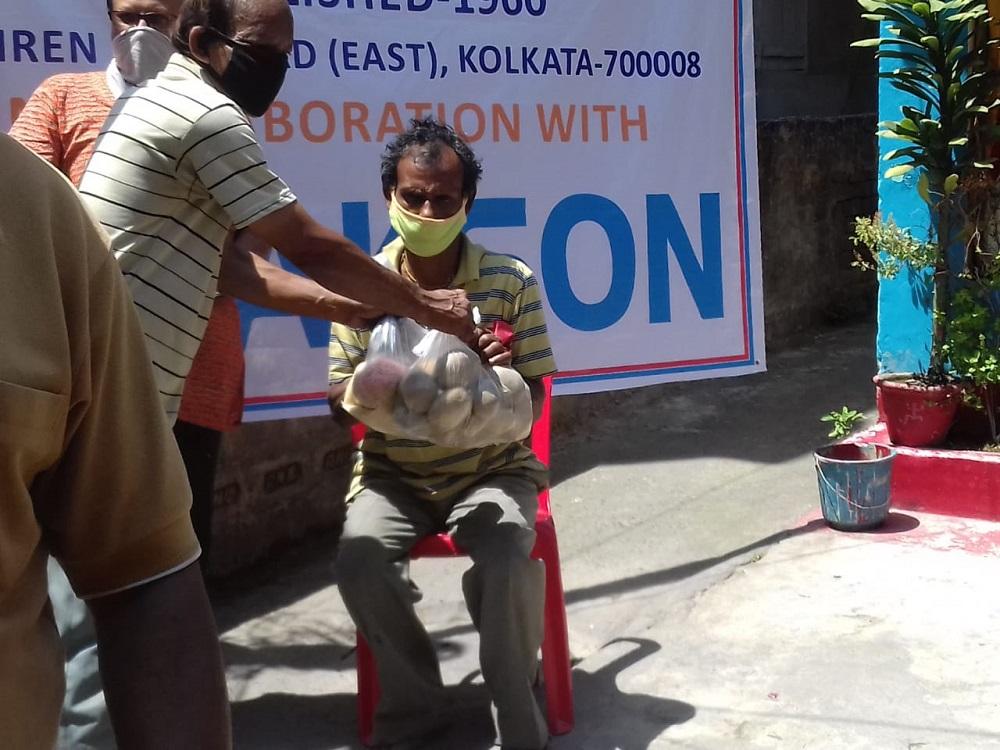 Jakson Donates Essential Food Items amidst The Covid-19 Pandemic- Kolkata
